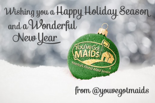 Happy-Holiday-Ball-Green-Gold-516x344.jpg