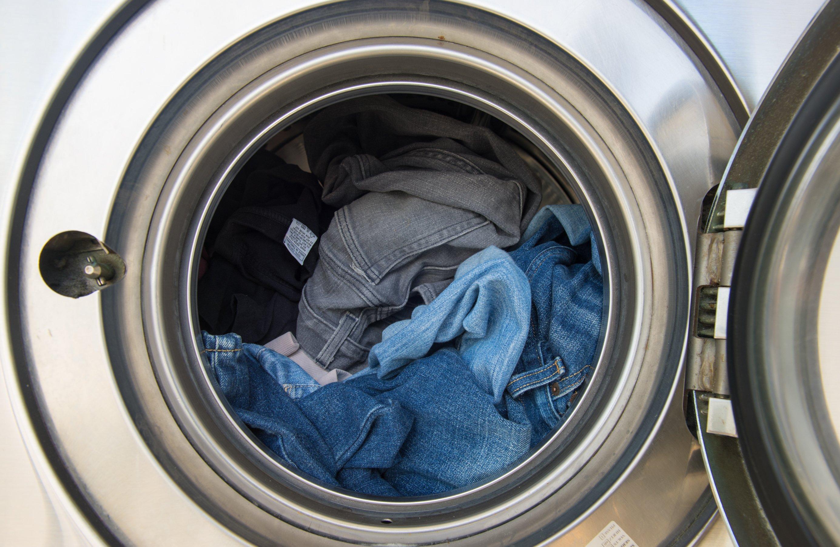 Canva - Laundry machine