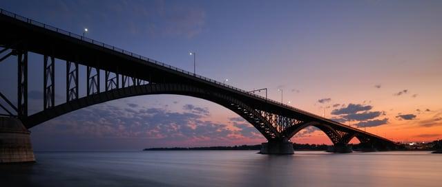 ny_Buffalo__Peace_Bridge_shutterstock_95360212.jpg