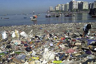 plastic-pollution-in-oceans.jpg