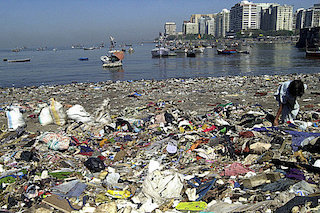 plastic-pollution-in-oceans.jpg